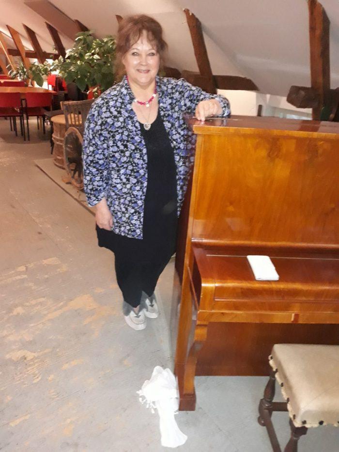 Irene Nadénin henkimaailman tulkki -kurssipäivä 30.9.2017